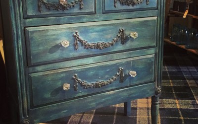 Finished Object… A lovely blue dresser (with a few tips'n'tricks)
